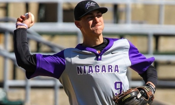 Tanner Kirwer (Sherwood Park, Alta.) was 8-for-12 with two RBIs for the Niagara Purple Eagles as he and Thomas Rodrigues (Pierrefonds, Que.) combined to go 14-for-26 with 11 RBIs. Kirwer earned MAAC Baseball Rookie of the Week after hitting .667 with two RBIs and three stolen bases against Monmouth.