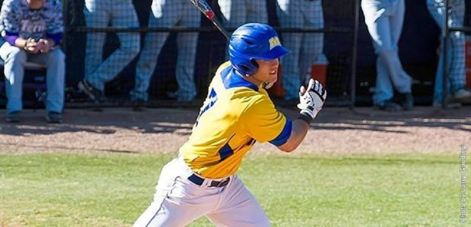 C Chris Robinson (Uxbridge, Ont.) earned a spot on the 16th annual Canadian Baseball Team.