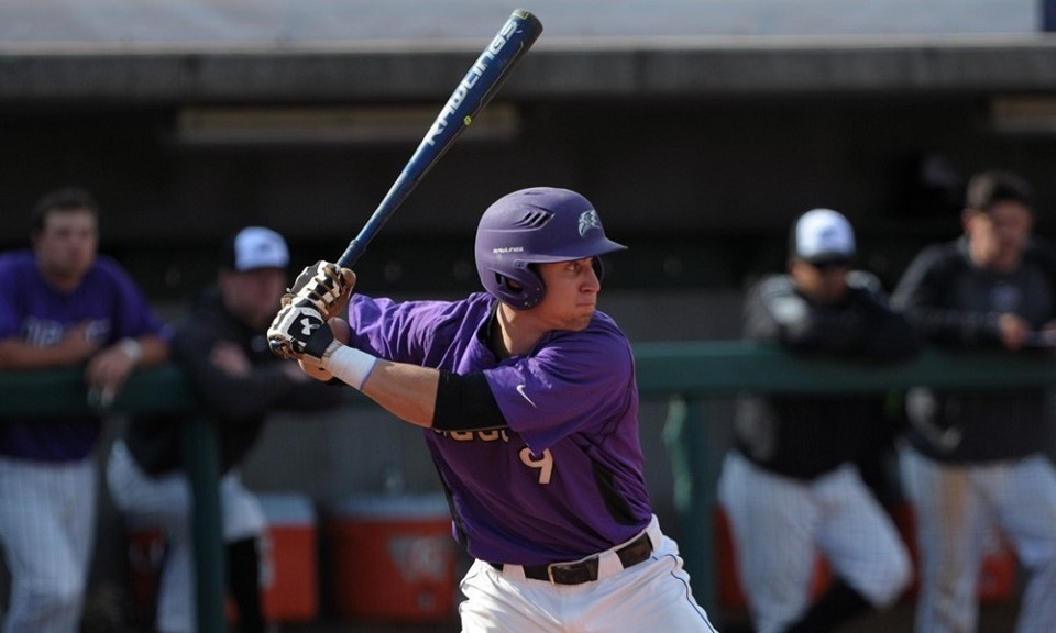 OF Tanner Kirwer (Sherwood Park, Alta.) earned National Collegiate Baseball Writers Association National Hitter of the Week. The Niagara Purple Eagles hit .714 with a 1.286 slugging mark as well as winning MAAC Player of the Week honors.
