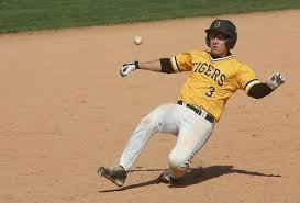 Ryan Grippo (Torronto, Ont.) had four hits and five RBIs for DePauw