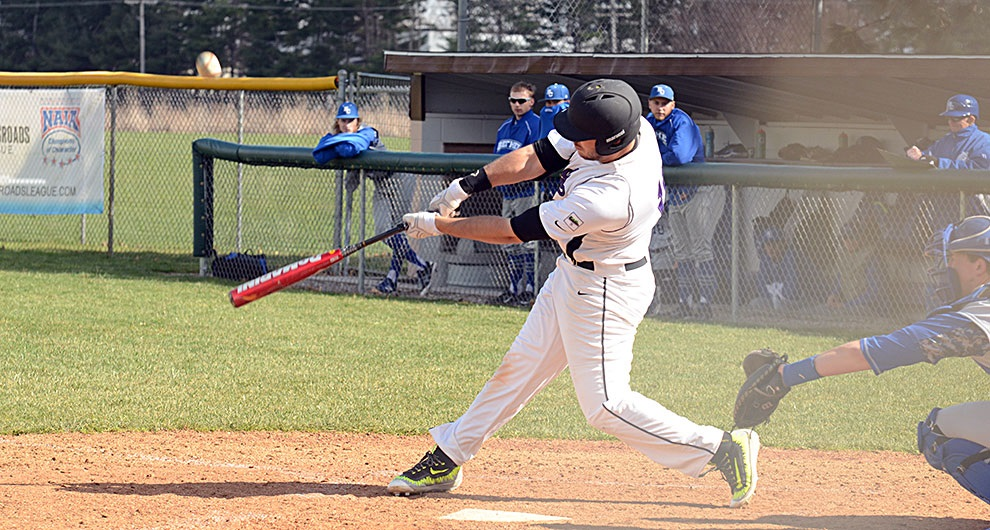Vincent Caschera (Sarnia, Ont.,) had seven hits and six RBIs for tthe Goshen Leafs.