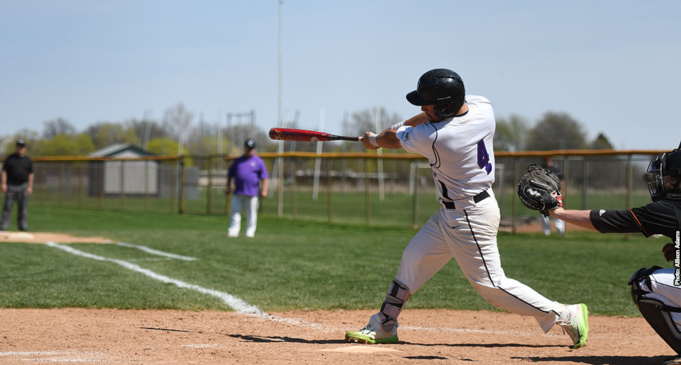 London Badgers' OF Preston Carr (St. Thomas, Ont.) earned honorable-mention all-conference honors with the Goshen Leafs. He hit .340 during the regular season with 47 runs scored, 72 hits, six home runs and a triple while slugging .519 and getting on base at a .418 clip. All of these figures were second on the team. His 18 doubles matched a program record.