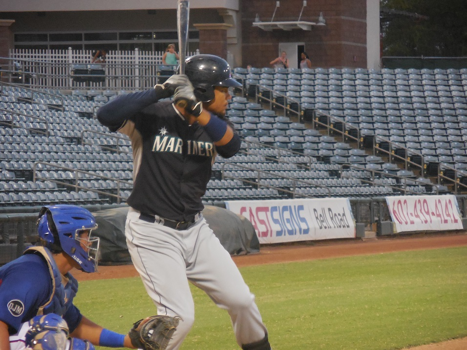Toronto Mets and Ontario Blue Jays grad Gareth Morgan (Toronto, Ont.) has been red-hot at the plate with the Seattle Mariners' Class-A Clinton LumberKings over the past couple of weeks.