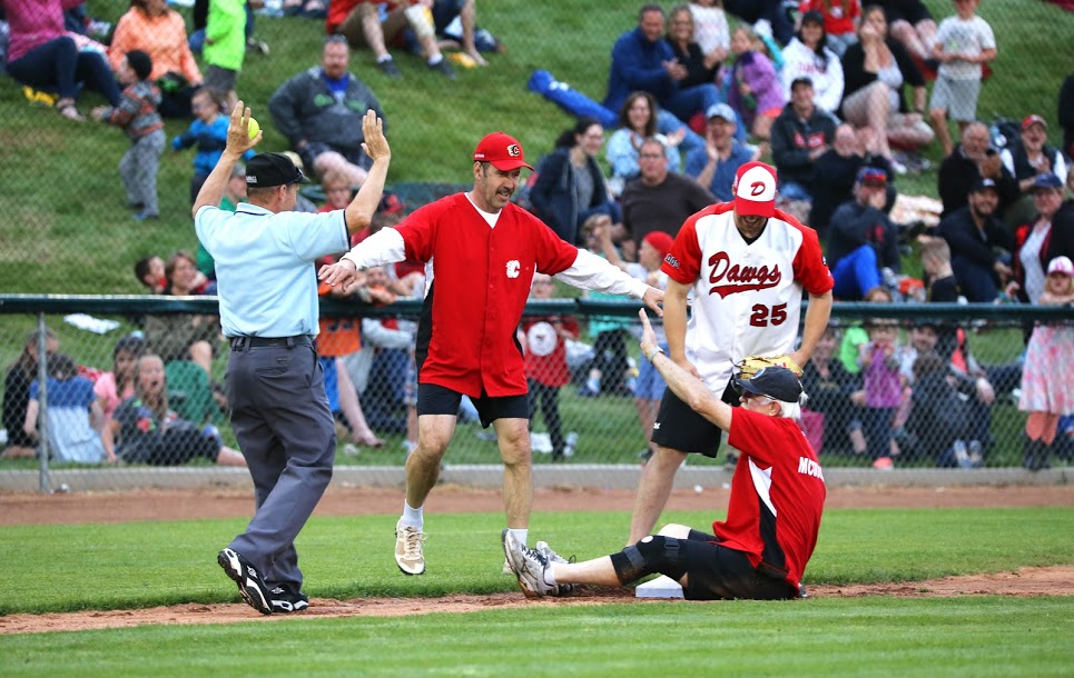 Former Flame Lanny McDonald slides/sits on third base ...