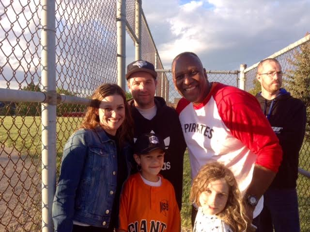 World Series hero Joe Carter with the Reeves family: Mom Megan, father Callum, son Jayden , a Giant and daughter Chelsea. Craig Nyman of Alomarsports is in the background.