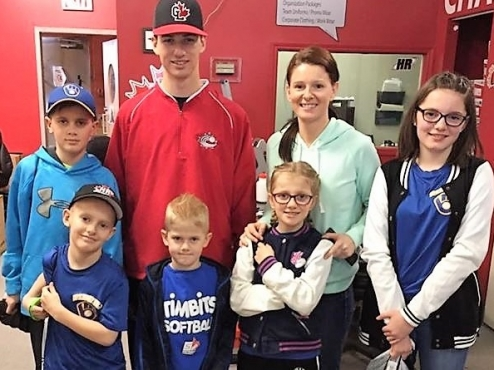 Great Lake Canadians grad Adam Hall, one of the top Canadian prospects in the 2017 MLB Draft, took some time this spring to give back to local kids in London, Ont. Photo Credit: Canadian Premier Baseball League