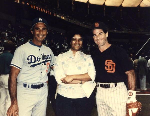 Sandy Koufax, left, and Steve Garvey, with Claire Smith at the 1985 all-star game.