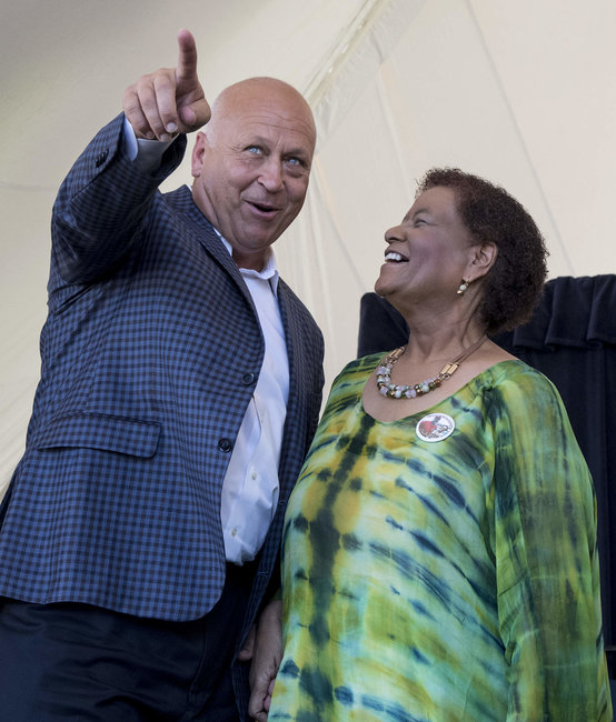 Cal Ripken points out how far Claire Smith hit her 'home run' of a speech.