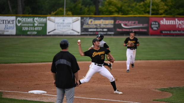 Nolan Bumstead playung summer ball for the Willmar Stingers of the Northwoods League