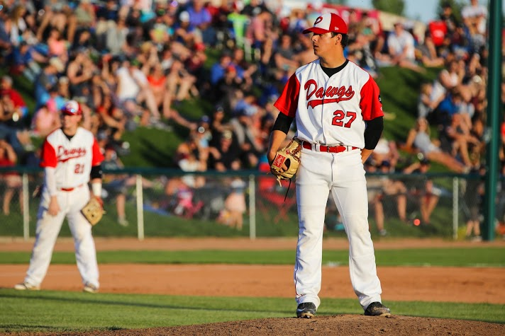 Colby's LHP Nick Vickers (Calgary, Alta.),