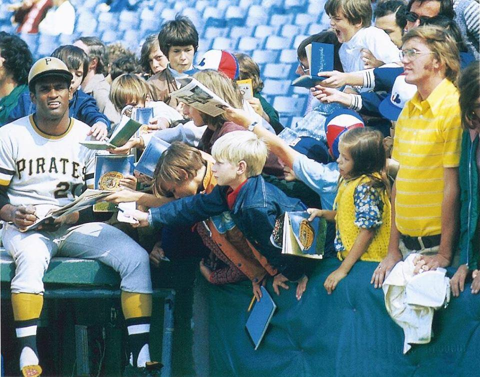 It was 45 years ago today that Roberto Clemente died in a plane crash while attempting to deliver relief supplies to earthquake stricken Nicaragua. This is a photo of Clemente signing autographs at Montreal's Jarry Park in 1970.