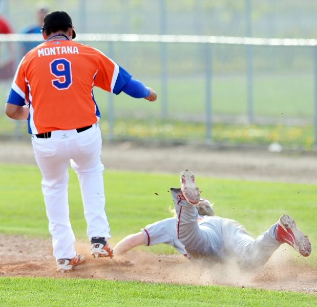 Regina Mets 1B Josh Montana, Regina, Sask.) homered and knocked in four runs for the Canada Colts.