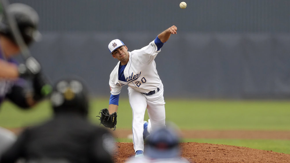 LHP Fernando Fernandez-Beltran (Mercier, Que.) pitched seven inning allowing three runs, while walking five and striking out seven for the St. Mary's Rattlers.