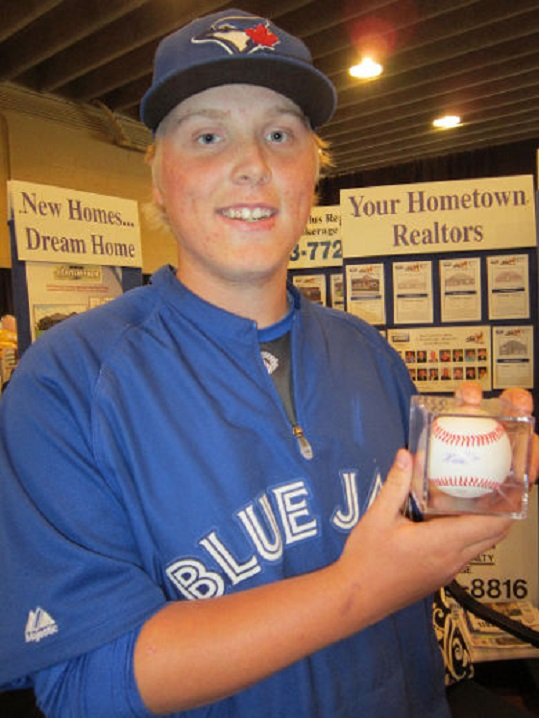 Former Ontario Blue Jays Brady Cappe (Brantford, Ont.), a spitting image for Joey (Weasey) Elllison (Mississauga, Ont.)