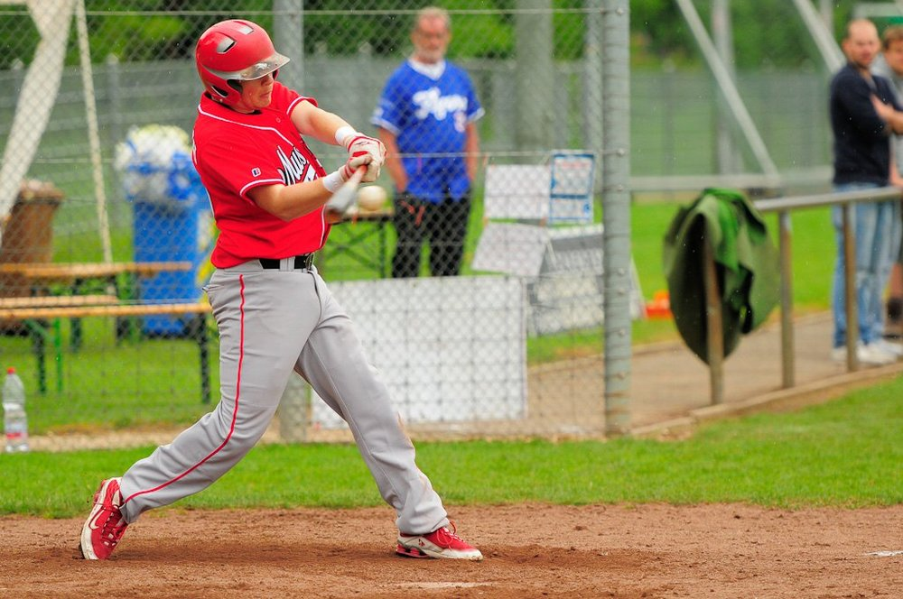 Casey Auerbach, associate head coach and recruiting coordinator for the McGill Redmen, is offering Canadian collegiate players the opportunity to experience a once-in-a-lifetime baseball road trip through Europe.
