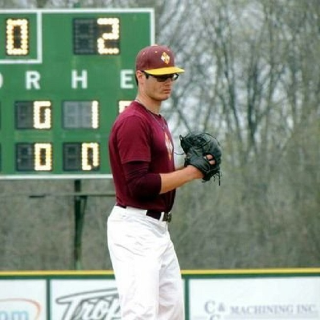 Ex-Toronto Mets LHP DJ Depiero (Thunder Bay, Ont.) of the Indian Hills Falcons.
