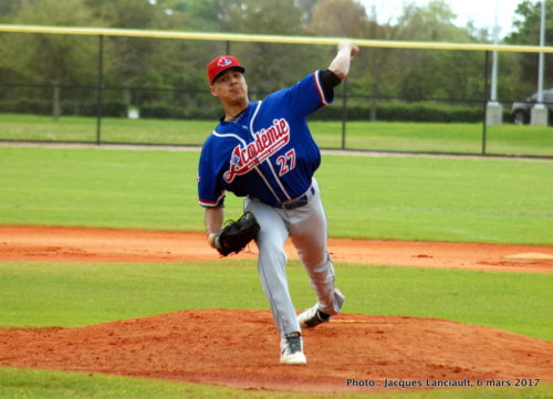 ABC grad LHP Miguel Cienfuegos (Laval, Que.) of thee Northwest Florida State Raaiders did welll at thhe plate as well with seven hits and eight RBIs. Photo: Jacques Lanciaualt.