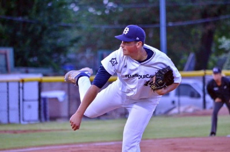 Former Coquitlam Red RHP Indigo Diaz (North Vancouver, BC) had a pair of wins for the Iowa Western  Reivers.