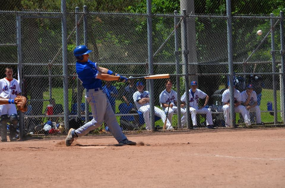Former Ontario Blue Jay Reese O'Farrell (Burlington, Ont.) hit .400 and drove in a pair of runs for the Howard Hawks.