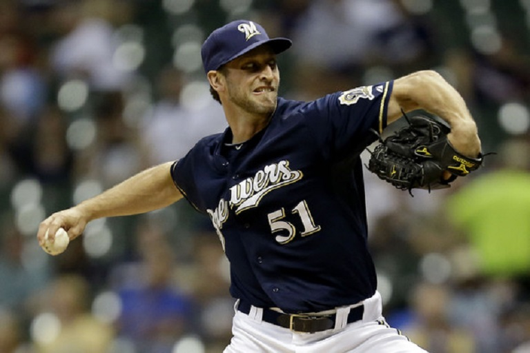 Jim Henderson (Calgary, Alta.) signed a minor league deal with the Milwaukee Brewers in March.