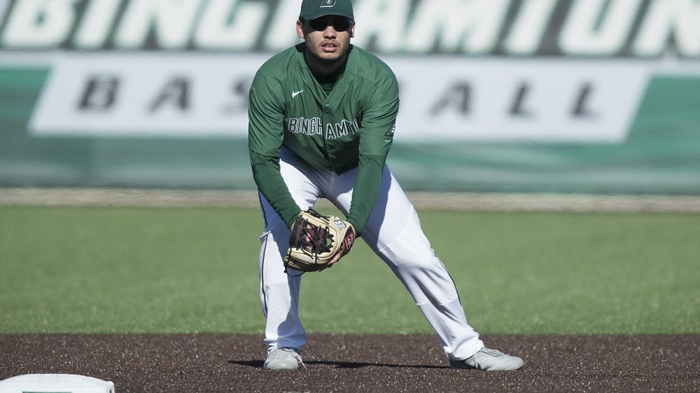 Ontario Terriers Luke Tevlin (Toronto, Ont.) had eight hits in a four-game week for the Binghamton Bearcats