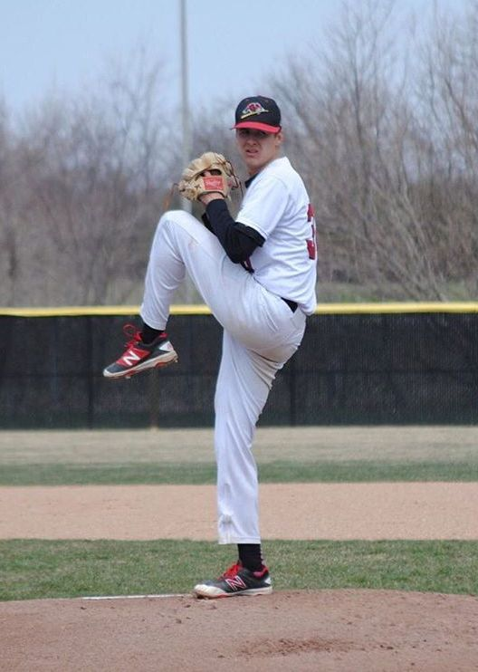Ex-Toronto Met RHP Hayden Malenfant (Whitby, Ont.) won a pair of games for Southeastern Blackhawks.