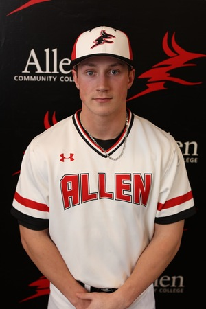 Former Victoria Mariner Dylan Price (Victoria, BC) had seven hits and knocked in five for the Allen County Red Devils.