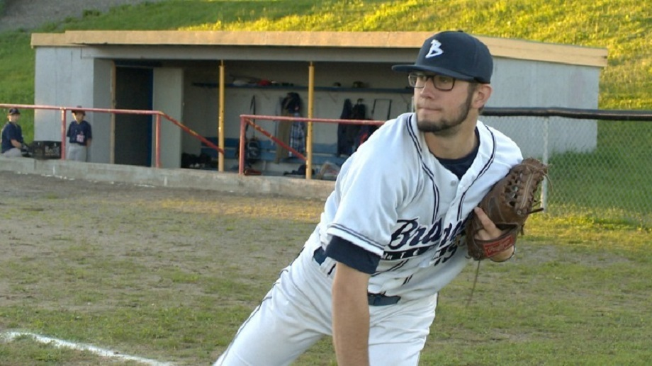 Alouettes de Charlesbourg grad Dany Paradis-Giroux (Levis, Que.) allowed two runs in six innings pitching for the William WoodsOwls.