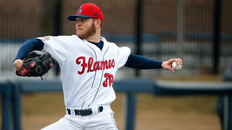 One-time North Shore Twin Braeden Toikka (Vancouver,, BC) pitched two scoreless innings for the Illinois-Chicago Flames.