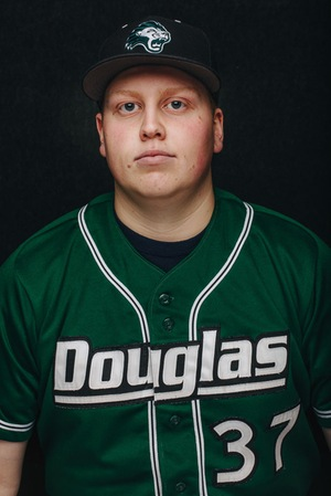 Tri-City Indians grad  Derrick Pecht (Burnaby, BC) pitched 6 1/3 innings allowing three runs for the Douglas Royals.