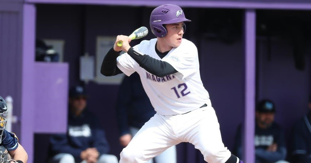 Ontario Terriers grad Joe Tevlin (Toronto, Ont.) went 5-for-9 (.556) with an RBI for the Niagara Purple Eagles.