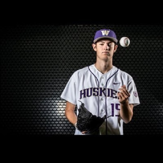 North Shore Twins grad Jack DeCooman (North Vancouverr, BC) has appeared in seven games with the Washington Huskies and haas a 3.71 ERA.