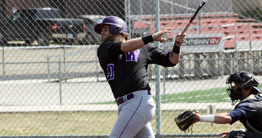 North Shore Twins Riley MacDonald (North Vancouver, BC) batted .309 for the Waldorf Warriors.