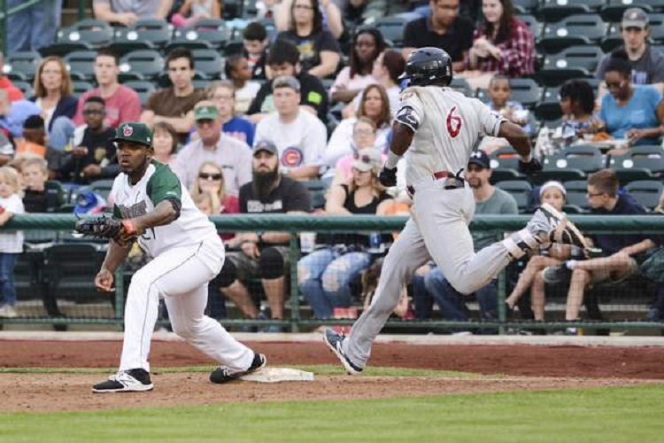 Former Ottawa-Nepean Canadians speedster OF Demi Orimoloye (Orleans, Ont.) beats out a hit for the class-A Wisconsin Timber Rattlers, before the Milwaukee Brewers promoted him to Carolina Mudcats. Photo: Brett Luke.