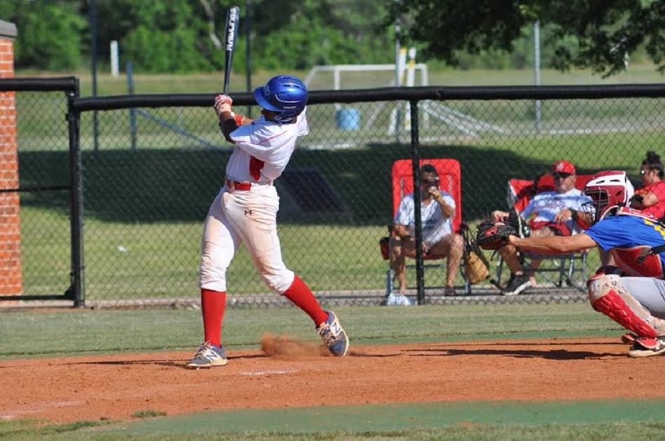 Elijha Hammill batting left-handed. Photo:Lucy Wetherall.