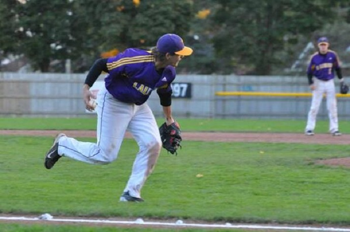 Ontario Terriers 3B Jeff Hunt (Cambridge Ont.) was a 15th round choice of the Los Angeles Dodgers.