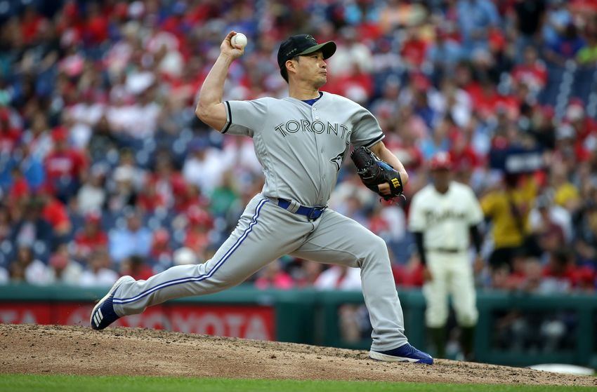 The Toronto Blue Jays officially announced that they have dealt reliever Seunghwan Oh to the Colorado Rockies on Thursday.