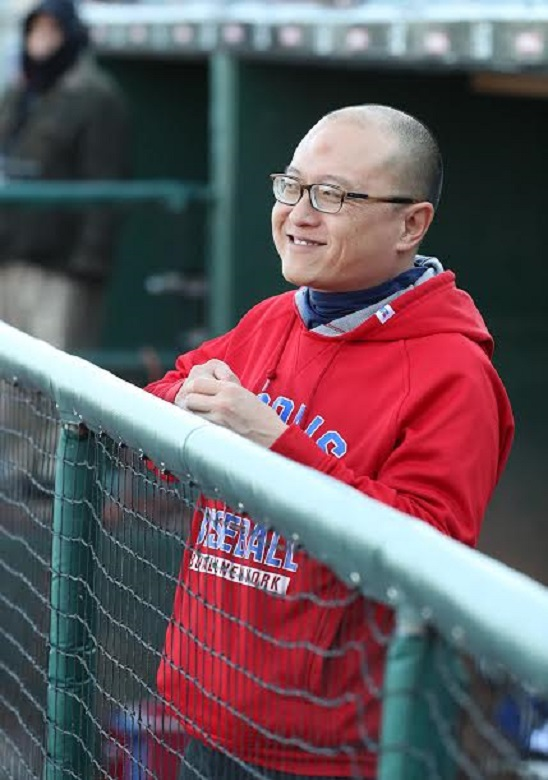 Voon Chong (Vancouver BC) has been all over wwith the Jays: double-A New Hampshire, triple-A Las Vegas, triple-A Bufaalo and now he is ann assistant trainer with the Blue Jays;
