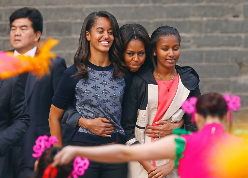 RT_obama_girls_ml_140702_18x13_1600.jpg