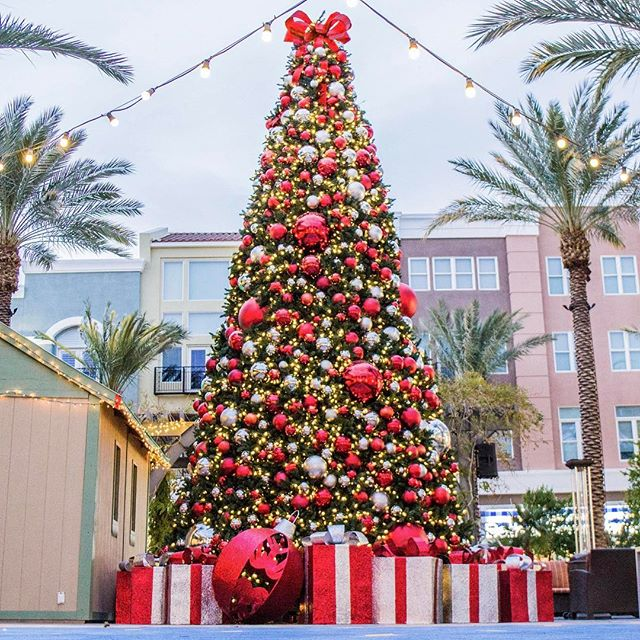 We are so excited @icsc's #RECon2017 is only 30 days away! We will be available to discuss your holiday decor needs. We sure hope to see you there!