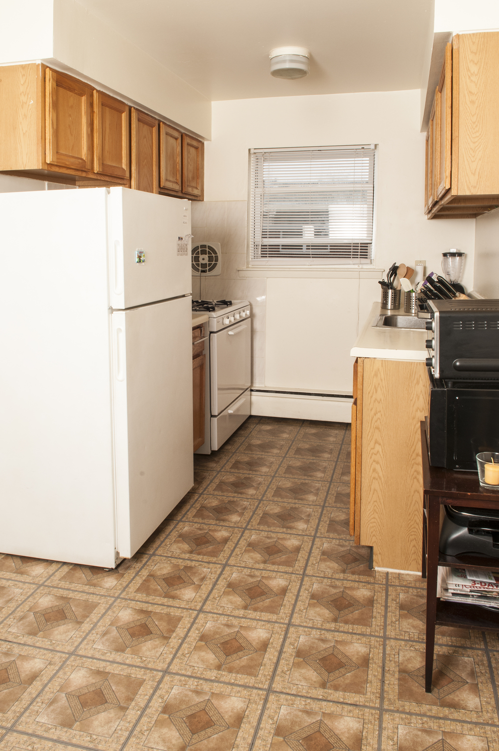 EssexStreet_1BR_Kitchen.jpg