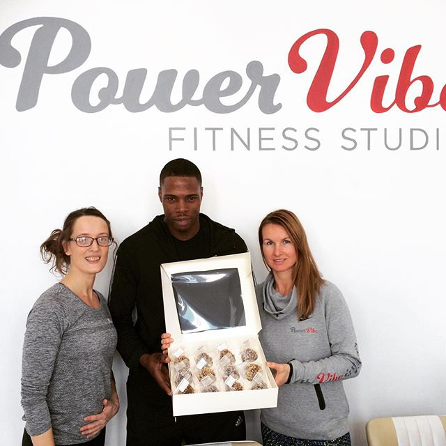 That time @ironlucylou introduced us to @itsronnieagain @abbigailforman @katelamb1979 @powervibestudio... 1100 #rdsprotein balls sold! #oneteam #Protein #PeanutButter #Chocolate ##PowerPlate #Spin #Training #Circuit ##Nutrition #Diet #health #fitness #Vegan #Gym #RAW #Muscle #DairyFree #Detox #Lifestyle #Fitness #Fitness #FitFam #WorkOut #Nutrition #Energy