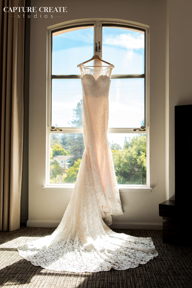 dress-gown-lace
