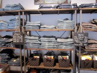 carhart-jeans-330x248.jpg