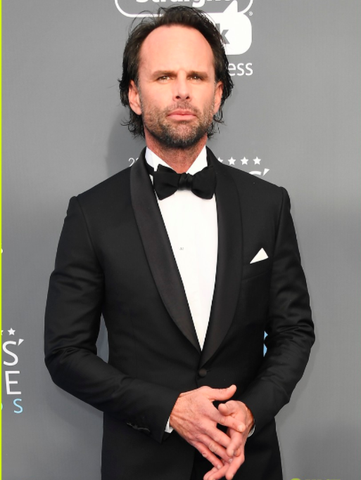 "Walton Goggins wins the Critic's Choice Award for ""Vice Principals"" wearing Brioni"
