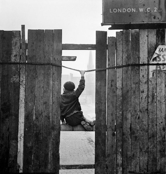 Boy_in_docklands_1.jpg