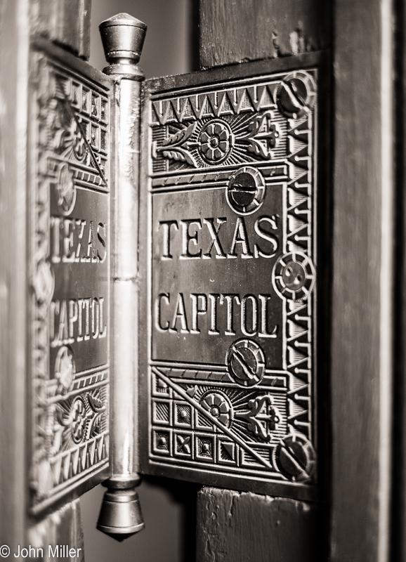 Texas Capitol - Hinge