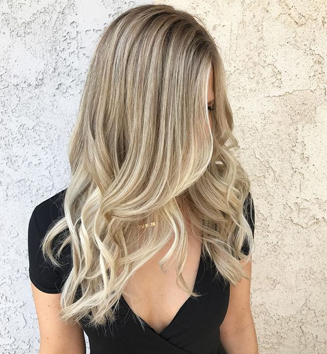 Hey ladies please call and book your end of the year appointments for janine @cjay_color. I will be really busy and want to make sure I could fit everyone in. September October will be very limited! Thank you 😊 8187316442 or call volumeiiisalon at 8188462911