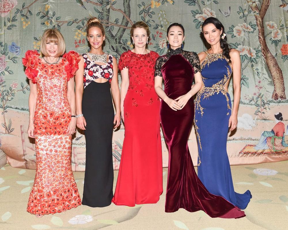 2. Anna Wintour, Marissa Mayer, Gong Li, Wendi Murdoch 3.jpg
