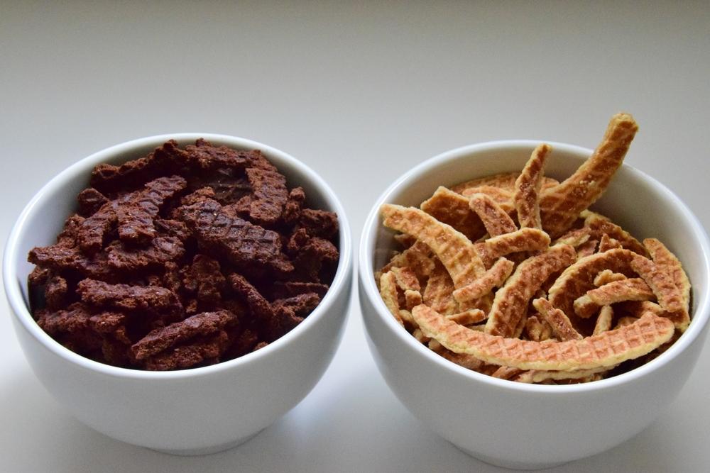 stroopwafel edges — gezellig cookies® llc  stroopwafels kniepertjes and speculaas
